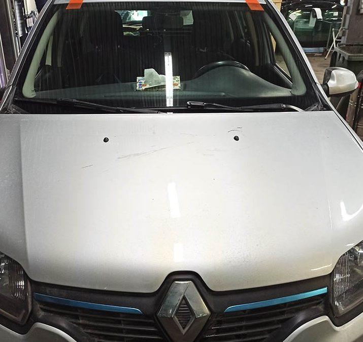 Замена лобового стекла Renault Logan